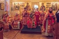 Митрополит Ростислав возглавил Божественную литургию по древнему чину