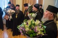 Духовенство Томской епархии и сотрудники Епархиального управления поздравили архипастыря с юбилеем архиерейской хиротонии