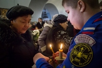 Томск встретил Вифлеемский огонь
