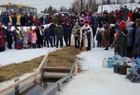 Тысячи жителей Томской области приняли участие в крещенских купаниях