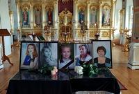 В Воскресенской церкви совершена панихида по детям, погибшим в ТЦ «Зимняя вишня» в г. Кемерово