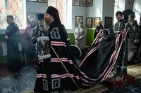 Митрополит Ростислав возглавил богослужение Великой Среды в храме прп. Сергия Радонежского