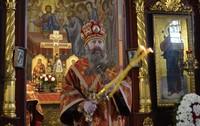 В понедельник Светлой седмицы глава Томской митрополии возглавил литургию в Петропавловском соборе Томска