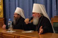 Митрополит Калужский и Боровский Климент встретился с семинаристами и духовенством Томской епархии