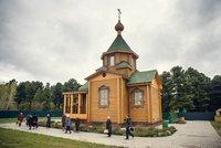 Митрополит Ростислав совершит Божественную литургию в храме святителя Николая в д. Губино