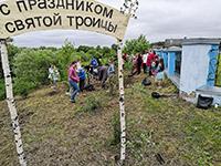 У Спасского храма в с. Коларово появилась «Аллея семьи»