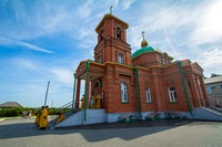 Митрополит Ростислав возглавил праздничное богослужение в храме села Новокусково