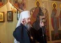 Митрополит Ростислав возглавил Божественную литургию в Казанском храме Богородице-Алексиевского монастыря