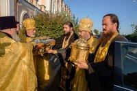 Томичи встретили великие святыни – ковчеги с частью Покрова Пресвятой Богородицы и честными мощами блаженной Матроны Московской