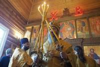 Никольский храм пос. Зональная Станция отметил Малую Пасху архиерейским богослужением