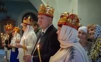В томских храмах прошли массовые благотворительные венчания