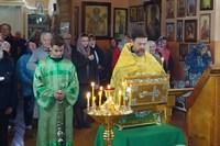 Жители села Первомайское и города Асино помолились перед мощами св. Матроны и частицей Плата Пресвятой Богородицы