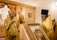Митрополит Ростислав возглавил богослужение в Доме сестринского ухода свт. Луки (Войно-Ясенецкого)