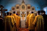 Митрополит Ростислав возглавил богослужение в Покровской церкви с. Петухово