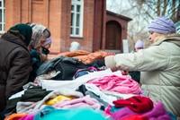 На территории Петропавловского собора вновь состоится ярмарка-раздача вещей