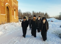Митрополит Ростислав и епископ Силуан посетили строящийся мужской монастырь на Волоке