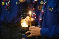 В Томске встретили Вифлеемский огонь