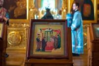 Митрополит Ростислав возглавил праздничное богослужение в праздник Сретения Господня