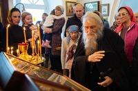 Духовник Патриарха пообщался с прихожанами старинного томского храма