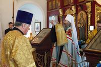 Старинный храм с. Коларово отметил престольный праздник архиерейским богослужением