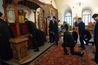 Семинаристы и педагоги семинарии испросили благословения на учебу у святого Феодора Томского и почтили память своих предшественников