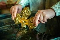 В великий праздник Крещения Господня в томских храмах будет организована раздача крещенской воды