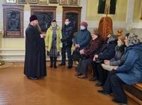 Подопечные досугового центра поддержки слепоглухих посетили Петропавловский храм