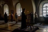 Духовенство кафедрального собора совершило вечернее богослужение накануне Лазаревой субботы