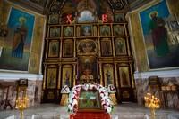 Митрополит Ростислав в Светлый понедельник совершил Литургию в Петропавловском соборе г. Томска