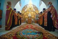 Глава Томской митрополии возглавил пасхальные богослужения в Знаменском храме