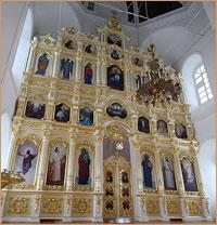 В главном приделе Воскресенской церкви установлен новый иконостас