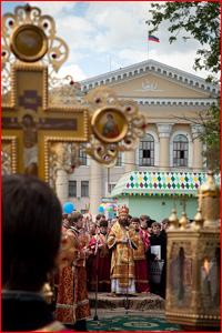 Фоторепортаж с общегородского Крестного хода, посвященного памяти святых равноапостольных Кирилла и Мефодия
