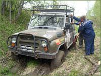 Соревнования авто-экстремалов «Медвежий угол» в Асиновском районе начались с благословения священнослужителя