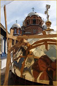 Архиепископ Ростислав освятил новые кресты и купола Петропавловского собора г.Томска