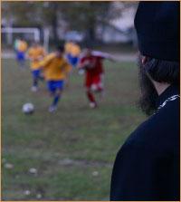 Семинаристы из Томска, Тобольска, Барнаула и Новокузнецка померились силами в футбольных состязаниях.